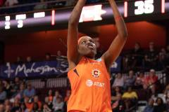 WNBA-Connecticut-Sun-84-vs.-Los-Angeles-Sparks-75-42