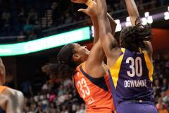 WNBA-Connecticut-Sun-84-vs.-Los-Angeles-Sparks-75-43
