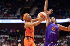 WNBA-Connecticut-Sun-84-vs.-Los-Angeles-Sparks-75-46