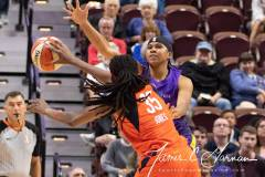 WNBA-Connecticut-Sun-84-vs.-Los-Angeles-Sparks-75-58