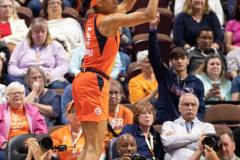WNBA-Connecticut-Sun-84-vs.-Los-Angeles-Sparks-75-59