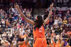 WNBA-Connecticut-Sun-84-vs.-Los-Angeles-Sparks-75-60