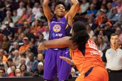 WNBA-Connecticut-Sun-84-vs.-Los-Angeles-Sparks-75-68