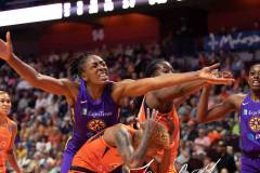WNBA-Connecticut-Sun-84-vs.-Los-Angeles-Sparks-75-73