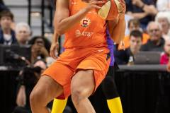 WNBA-Connecticut-Sun-84-vs.-Los-Angeles-Sparks-75-75