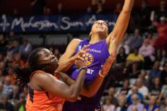 WNBA-Connecticut-Sun-84-vs.-Los-Angeles-Sparks-75-85