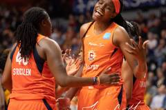 WNBA-Connecticut-Sun-84-vs.-Los-Angeles-Sparks-75-96
