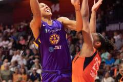 WNBA-Connecticut-Sun-84-vs.-Los-Angeles-Sparks-75-98