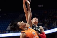 WNBA-Connecticut-Sun-89-vs.-Las-Vegas-Aces-85-19