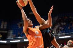 WNBA-Connecticut-Sun-89-vs.-Las-Vegas-Aces-85-87