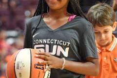 WNBA-Connecticut-Sun-98-vs.-Atlanta-Dream-69-11