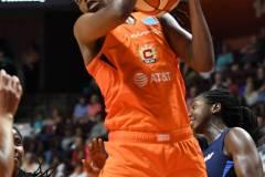 WNBA-Connecticut-Sun-98-vs.-Atlanta-Dream-69-39