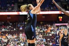WNBA-Connecticut-Sun-98-vs.-Atlanta-Dream-69-48