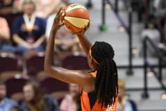 WNBA-Connecticut-Sun-98-vs.-Atlanta-Dream-69-57