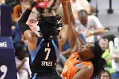 WNBA-Connecticut-Sun-98-vs.-Atlanta-Dream-69-73