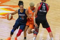WNBA-Finals-Game-4-Connecticut-Sun-90-vs.-Washington-Mystics-86-30