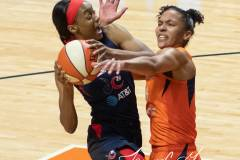 WNBA-Finals-Game-4-Connecticut-Sun-90-vs.-Washington-Mystics-86-33
