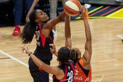 WNBA-Finals-Game-4-Connecticut-Sun-90-vs.-Washington-Mystics-86-50