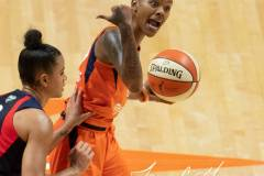 WNBA-Finals-Game-4-Connecticut-Sun-90-vs.-Washington-Mystics-86-57