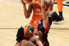 WNBA-Finals-Game-4-Connecticut-Sun-90-vs.-Washington-Mystics-86-73