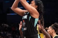 WNBA-New-York-Liberty-69-vs.-Seattle-Storm-84-89