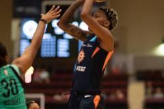 WNBA-New-York-Liberty-79-vs.-Connecticut-Sun-94-4