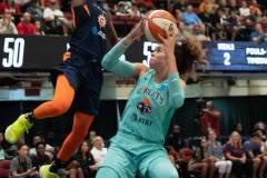 WNBA-New-York-Liberty-84-vs.-Connecticut-Sun-94-47