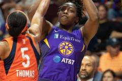 WNBA-Playoff-Semifinals-Game-2-Connecticut-Sun-94-vs.-Los-Angeles-Sparks-68-39