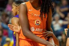WNBA-Playoff-Semifinals-Game-2-Connecticut-Sun-94-vs.-Los-Angeles-Sparks-68-61