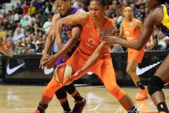 WNBA-Playoff-Semifinals-Game-2-Connecticut-Sun-94-vs.-Los-Angeles-Sparks-68-69