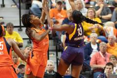 WNBA-Playoff-Semifinals-Game-2-Connecticut-Sun-94-vs.-Los-Angeles-Sparks-68-83